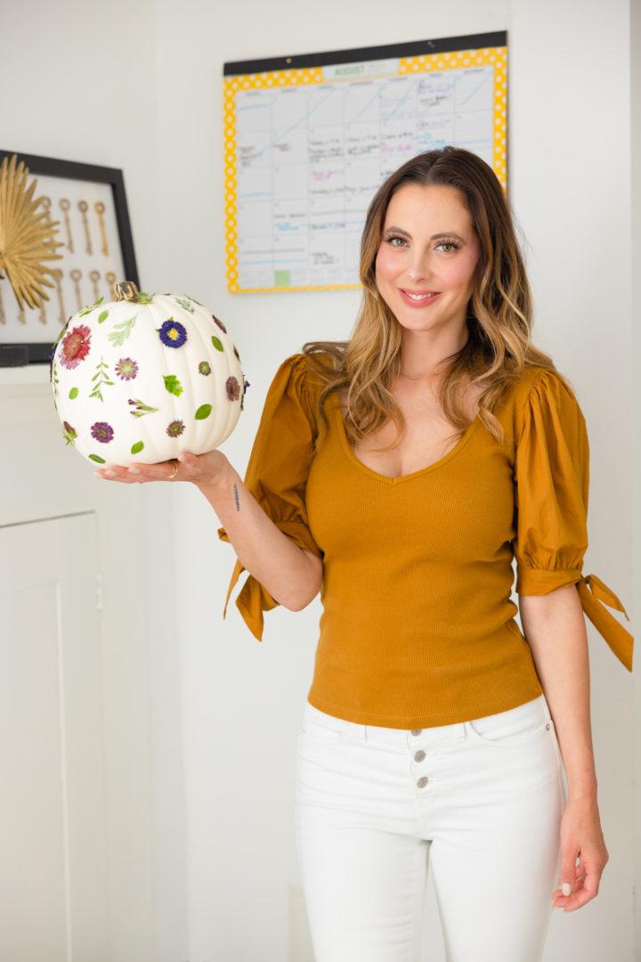 Eva Amurri shares a DIY Pressed Pumpkin Craft